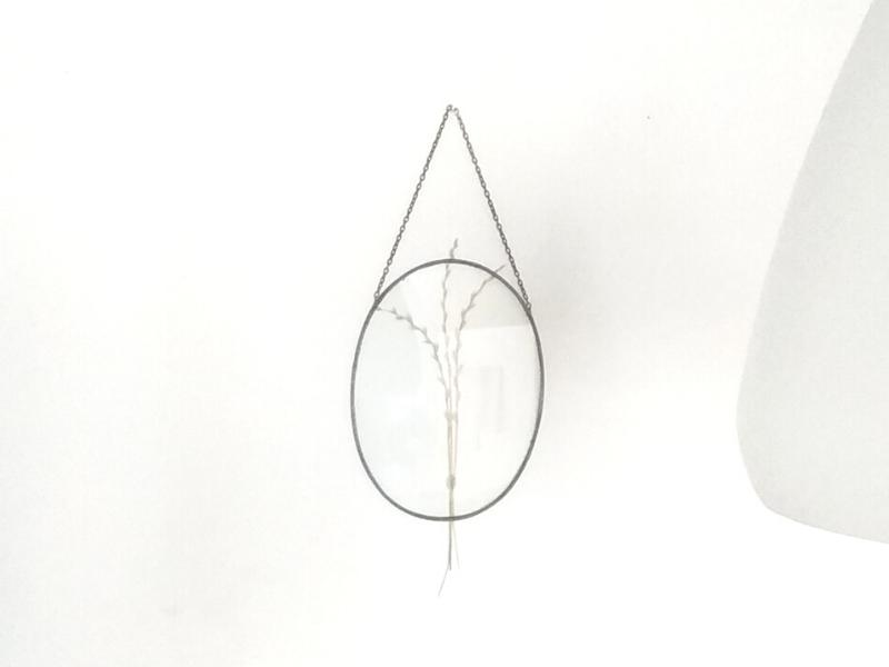 DIY – van oubollige raamhanger naar nieuwe wanddeco